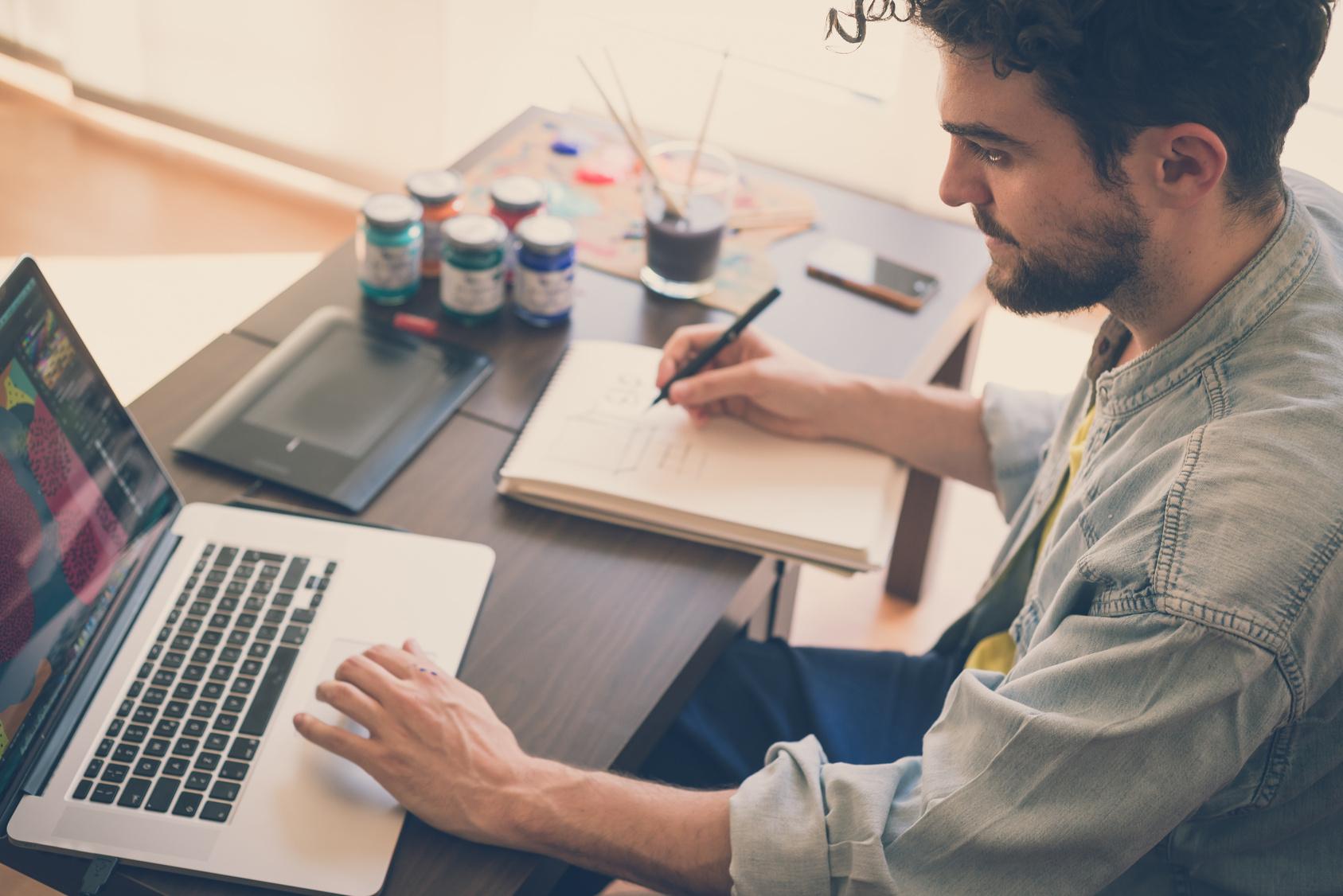 Alcançando a Liberdade com Trabalho em Casa